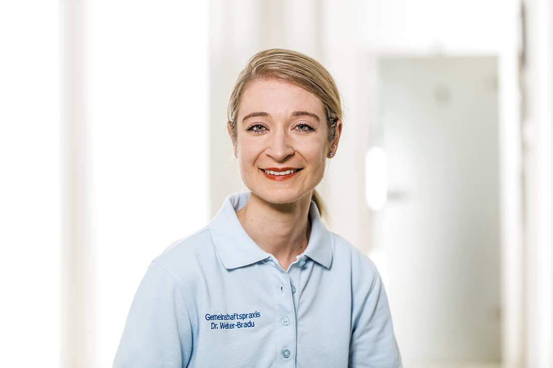 Zahnarzt Grafenberg - Bradu - Team - Yvonne Hinze