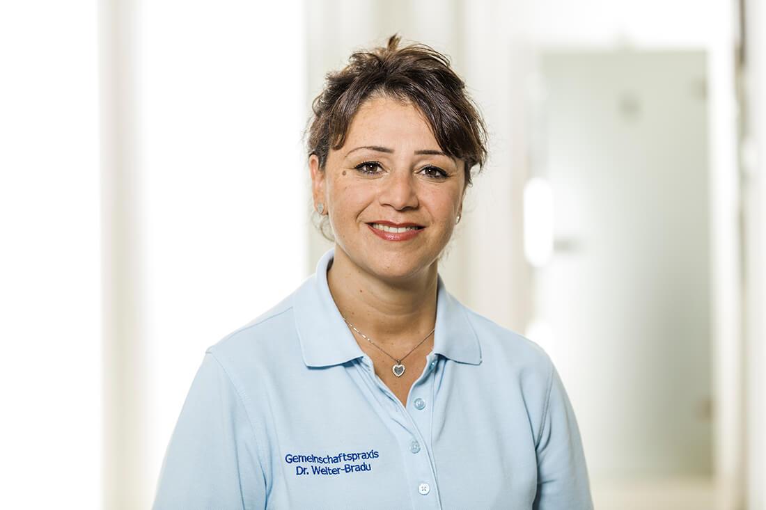 Zahnarzt Grafenberg - Bradu - Team - Josefine Sortino