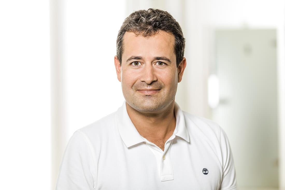Zahnarzt Grafenberg - Bradu - Team - Dr. Sebastian Bradu