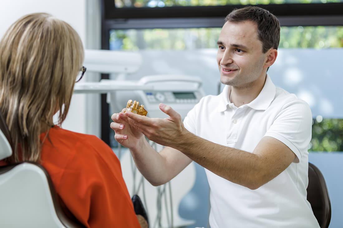 Zahnarzt Grafenberg - Bradu - Leistungen - Implantologie