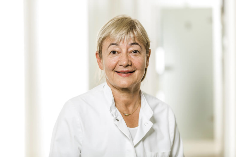 Zahnarzt Grafenberg - Bradu - Team - Dr. Karin Welter-Bradu