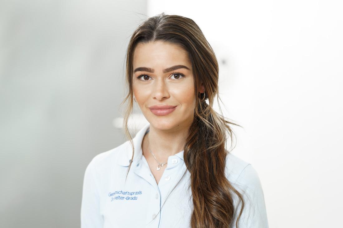 Zahnarzt Grafenberg - Bradu - Team - Rajana Dulatova